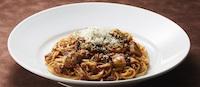 粗挽き牛肉のボロネーゼスパゲッティ