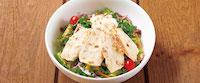 ハーブ鶏のローストチキンとケールのサラダ