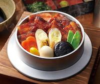 炭火焼豚肉釜飯